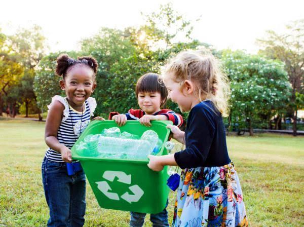 niños cuidando el medio ambiente